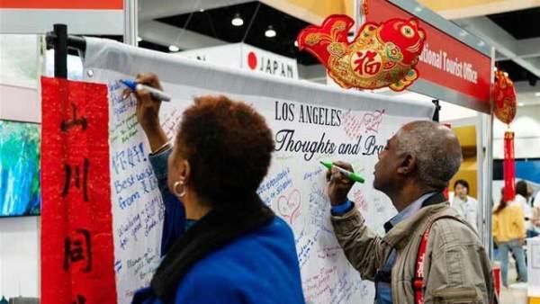 洛杉矶民众为中国抗击疫情加油鼓劲