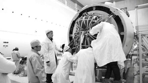 中国实现火箭残骸伞降控制精准回收