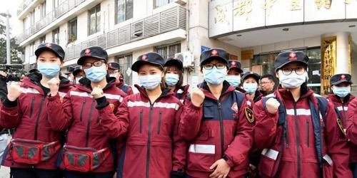江苏首批援湖北医疗队奔赴武汉
