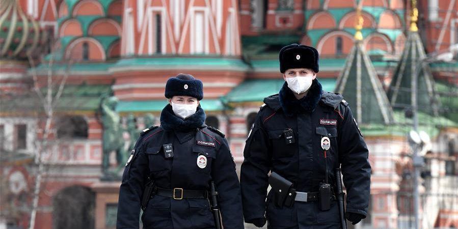 俄罗斯单日新增近千例