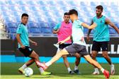 西甲:西班牙人队重回主场训练