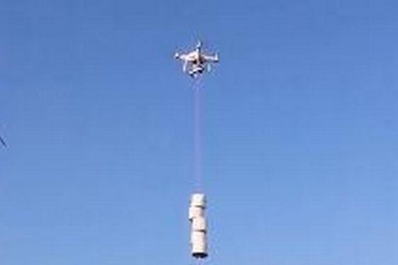 没厕纸了怎么办?美国男子用无人机给邻居送!